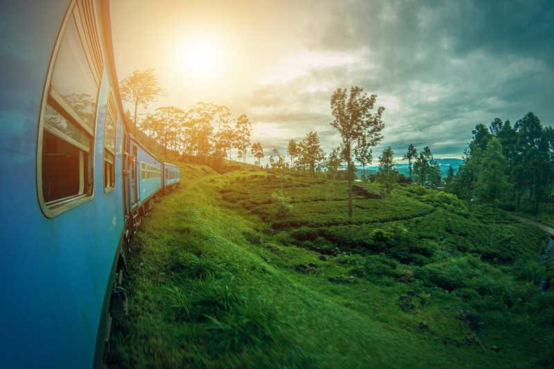Sri Lanka landschap en trein met uitzicht