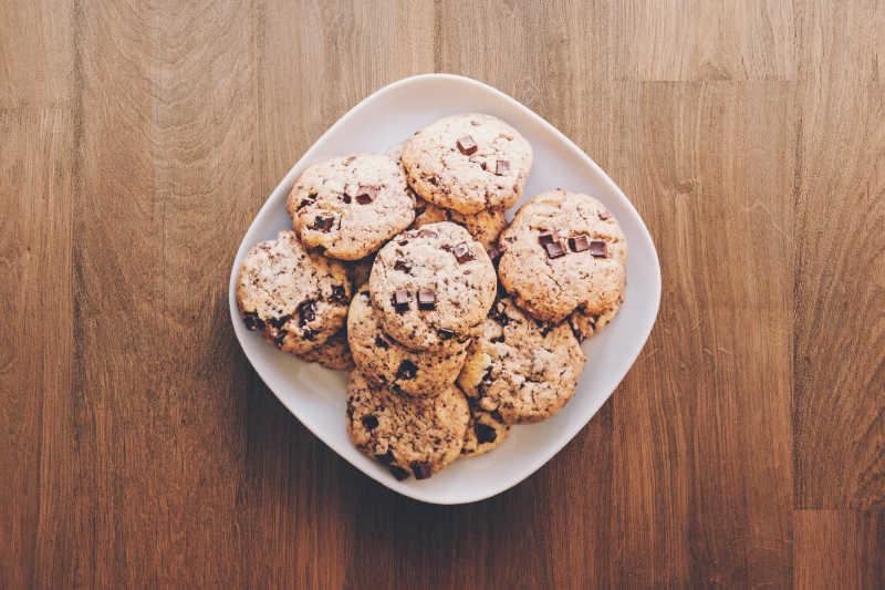 Cookies op een bord
