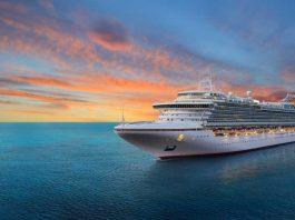 Cruiseschip op het water