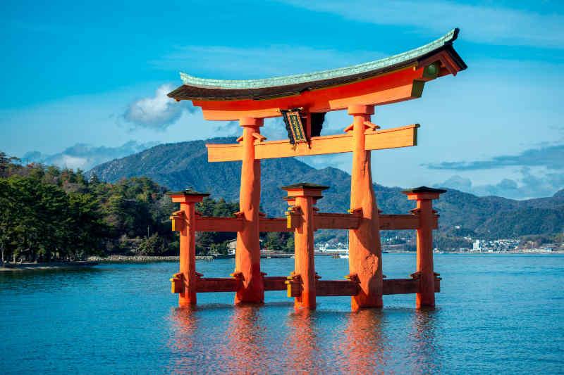 Itsukushima heiligdomsdom paal