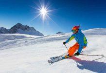 man aan het skieen op mooie skipiste