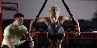 vrouw aan het sporten met Personal Trainer